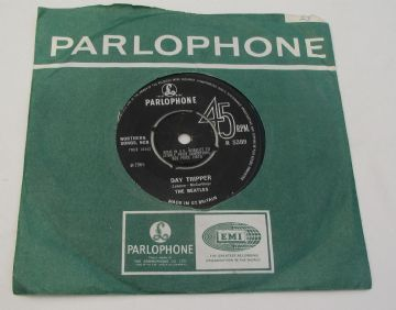"Beatles (The) WE CAN WORK IT OUT / DAY TRIPPER 1965 UK 7"" EX+ AUDIO"
